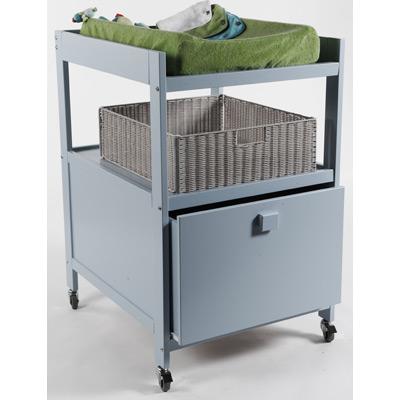 Table langer quax cubic bleu avec tiroir et munie de - Table a langer sur roulette ...